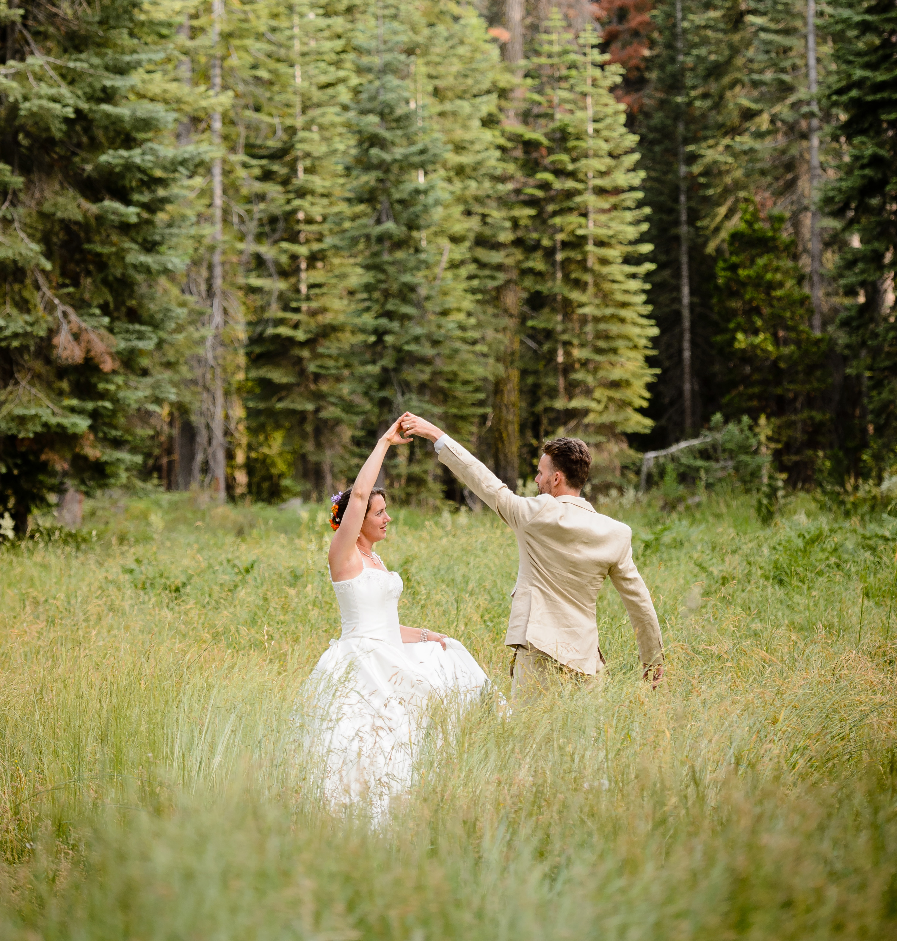 wedding meadow couple dancing